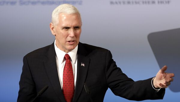 Il vice presidente statunitense Mike Pence - Sputnik Italia