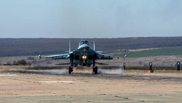 Le esercitazioni dei Su-34 - Sputnik Italia