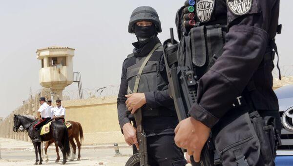 Египетские полицейские в Каире - Sputnik Italia