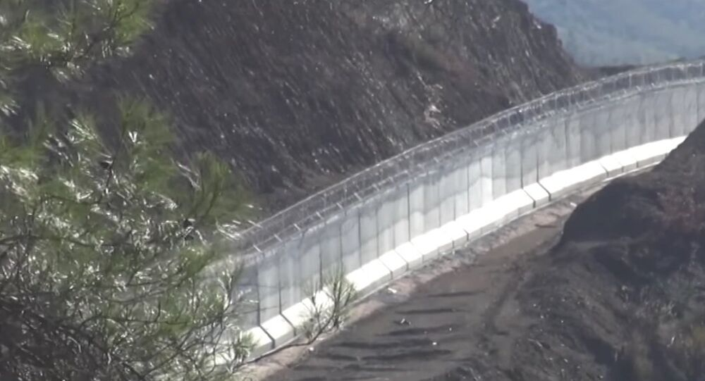 Muro turco al confine con la Siria