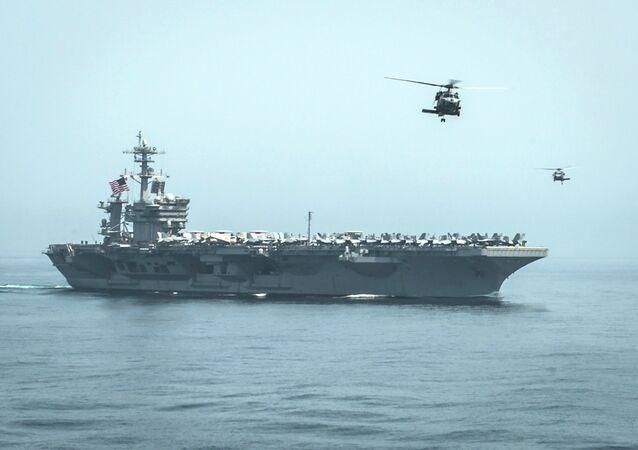 La portaerei USS Theodore Roosevelt