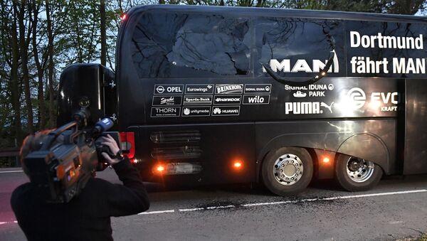 Tre ordigni esplosivi sono esplosi vicino l'autobus del Dortmund Borussia prima della partita di Champions League con il Monaco - Sputnik Italia
