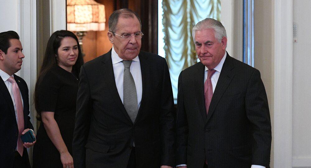 Sergei Lavrov e Rex Tillerson