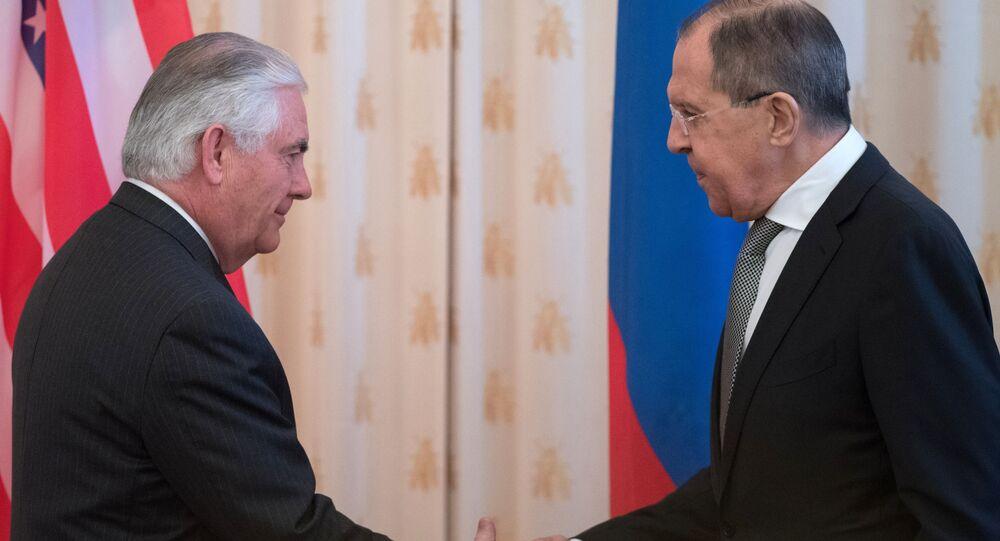Rex Tillerson e Sergey Lavrov a Mosca