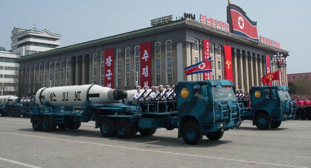 Il missile balistico Pukkuksong-1 alla parata militare a Pyongyang, Corea del Nord.