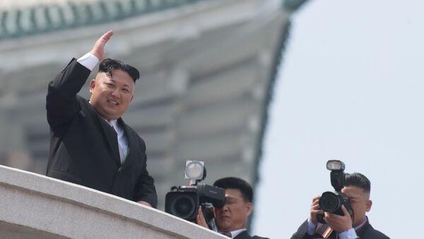 Il capo della Corea del Nord Kim Jong Un a una parata militare a Pyongyang, Corea del Nord. - Sputnik Italia