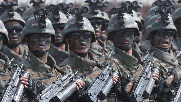 Soldati alla parata militare a Pyongyang, Corea del Nord. - Sputnik Italia