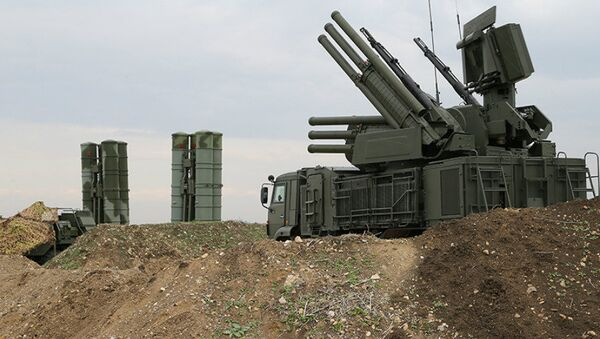 The Pantsir-S1 short-to-medium range gun-missile system at Russian Airbase in Syria - Sputnik Italia