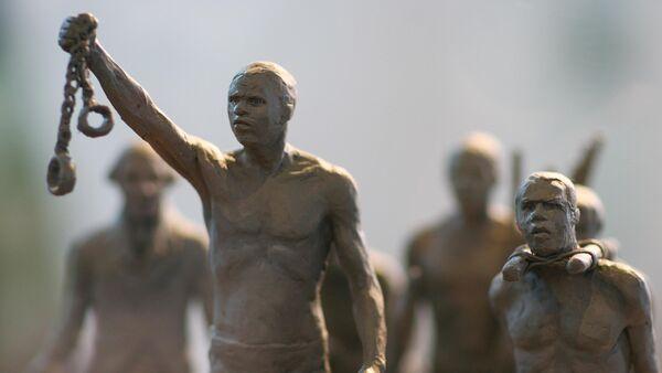 Un modello di un monumento dedicato alla schiavitù - Sputnik Italia