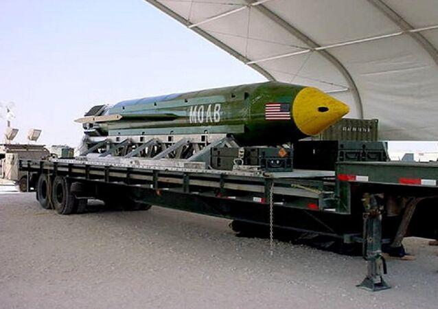 La bomba GBU-43/B Massive Ordnance Air Blast (MOAB). (Foto d'archivio)