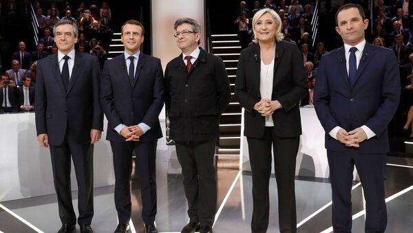Marine Le Pen, Jean-Luc Mélenchon, Benoît Hamon, Emmanuel Macron et François Fillon - Sputnik Italia