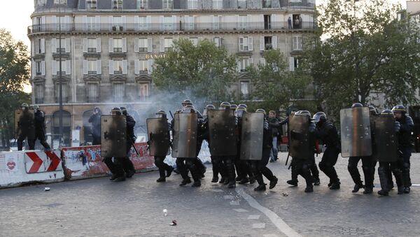 Polizia a Parigi - Sputnik Italia