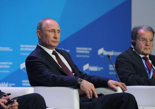 Putin e Prodi al forum Valdai del 2013