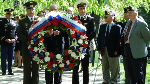 La commemorazione dell'incontro sull'Elba tra i soldati sovietici e russi al cimitero nazionale di Arlington, USA. (Foto d'archivio) - Sputnik Italia