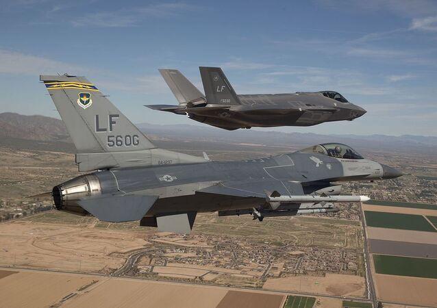 F-16 e F-35