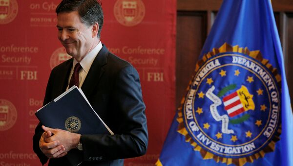 FBI Director James Comey listens as he is thanked for speaking at the Boston Conference on Cyber Security at Boston College in Boston, Massachusetts, US, March 8, 2017. - Sputnik Italia