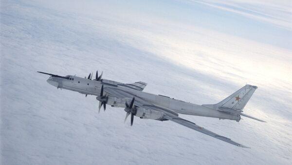 A Tupolev Tu-95 Bear strategic bomber - Sputnik Italia