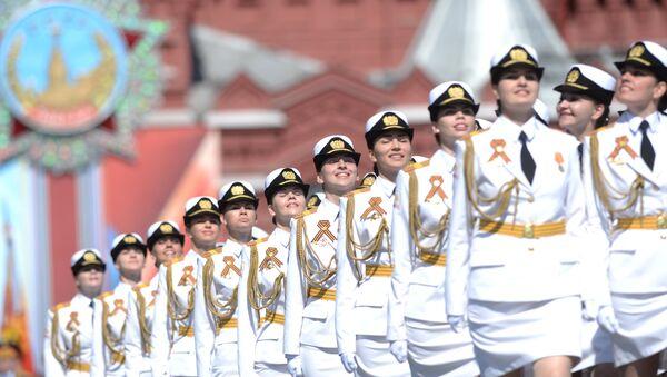 Donne soldato alla parata del 9 maggio - Sputnik Italia