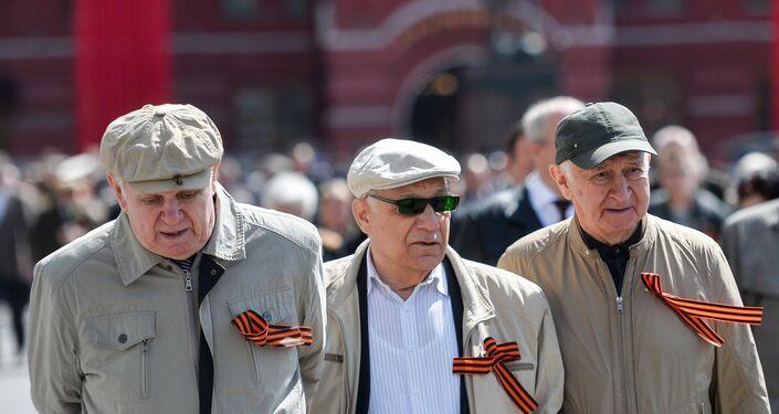 Veterani sulla Piazza Rossa