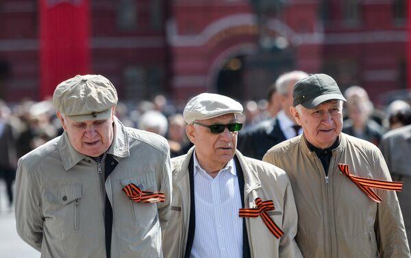 Veterani sulla Piazza Rossa - Sputnik Italia