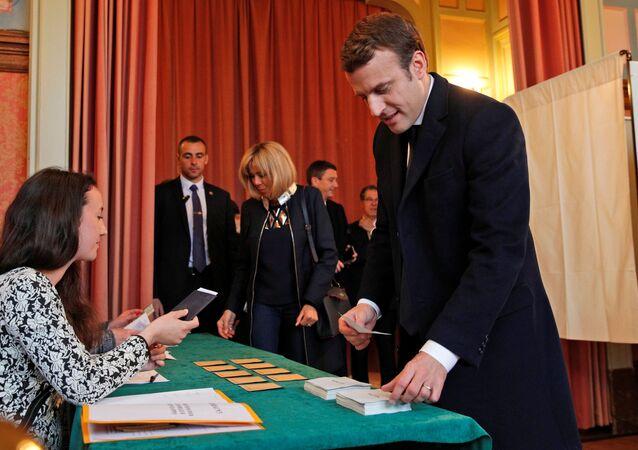 Emmanuel Macron al seggio