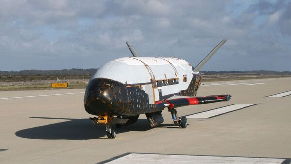 This June 2009 photo made available by the US Air Force via NASA shows the X-37B Orbital Test Vehicle at Vandenberg Air Force Base, California. - Sputnik Italia