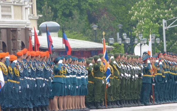 Donetsk, parata del Giorno della Vittoria - Sputnik Italia