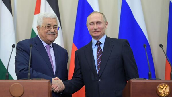 Президент государства Палестина Махмуд Аббас и президент РФ Владимир Путин в Сочи - Sputnik Italia