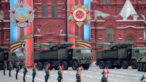 A Pantsir-S air defense system during  the Victory Day Parade on Red Square. - Sputnik Italia
