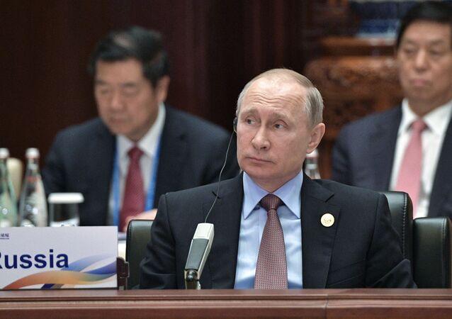 Vladimir Putin al forum economico di Pechino