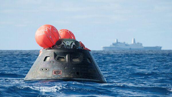 Capsula Orion dopo l'ammaraggio - Sputnik Italia