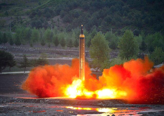 Il lancio del Hwasong-12 (Mars-12) del 15 maggio 2017