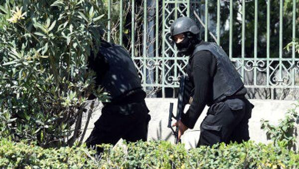 Силы безопасности Туниса у музея Бардо - Sputnik Italia