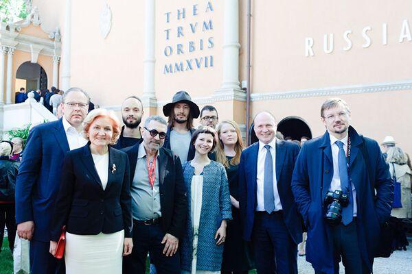 I curatori e gli artisti del padiglione russo alla Biennale di Venezia - Sputnik Italia