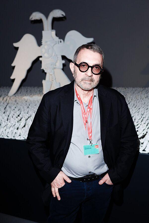 L'artista russo Grisha Bruskin, i cui lavori sono esposti nei maggiori musei del mondo - Sputnik Italia