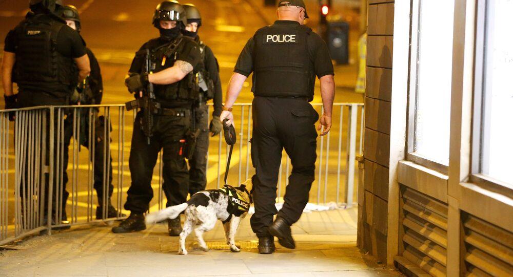 Poliziotti al Manchester Arena