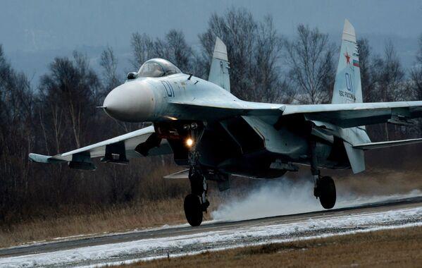 Il signore dei cieli, il Sukhoi Su-27 compie 40 anni - Sputnik Italia