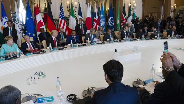 Angela Merkel e Donald Trump al G7 - Sputnik Italia