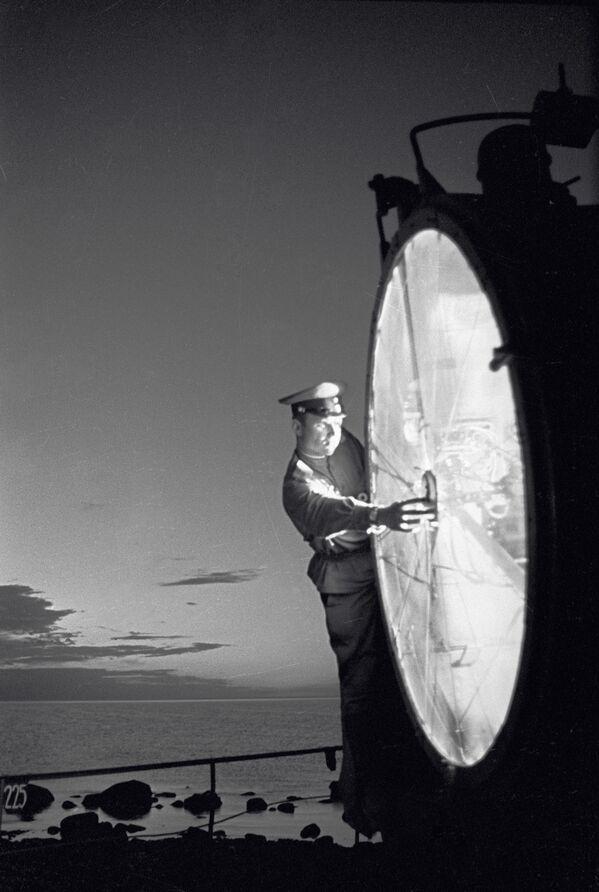 Il proiettore costiero di frontiera. - Sputnik Italia