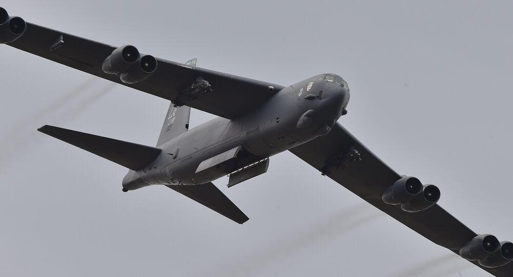 Bombardiere americano B-52