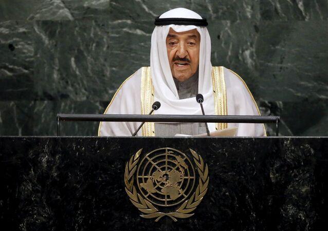 L'emiro del Kuwait Sheikh Sabah al-Ahmad al-Jaber al-Sabah (foto d'archivio)