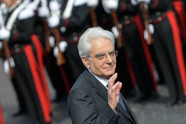 Il Presidente della Repubblica Sergio Mattarella a Roma, il 25 aprile 2015, durante la cerimonia del 70° anniversario della Festa della Liberazione che segna la fine della Seconda Guerra Mondiale. - Sputnik Italia