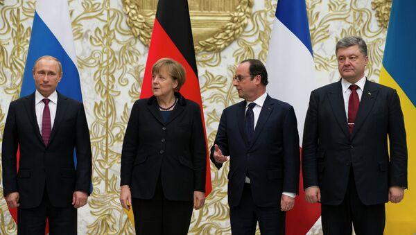 Vladimir Putin, Angela Merkel, Francois Hollande, Petr Poroshenko - Sputnik Italia