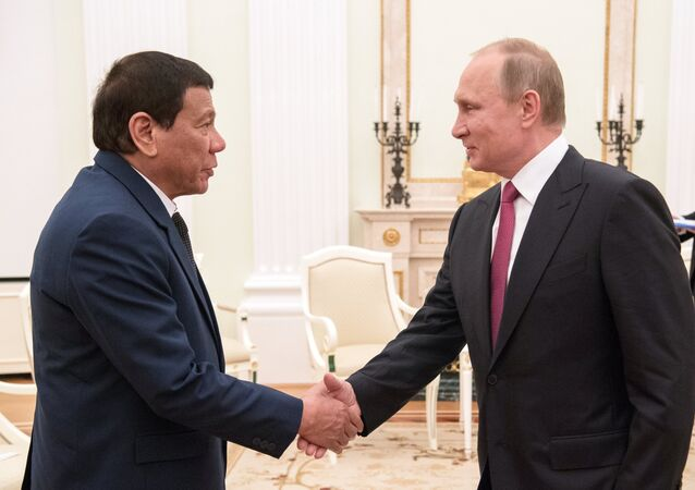 Presidente russo Vladimir Putin e presidente delle Filippine Rodrigo Duterte.