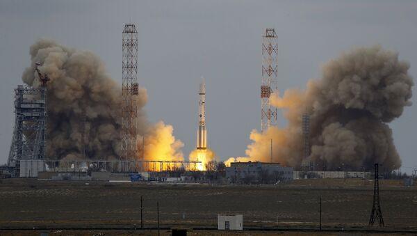 The Proton-M rocket - Sputnik Italia