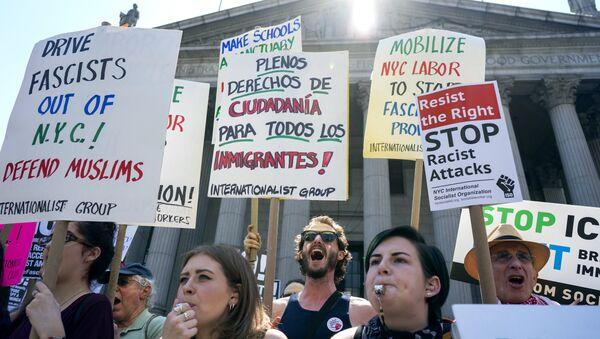 Contro-protesta a New York - Sputnik Italia