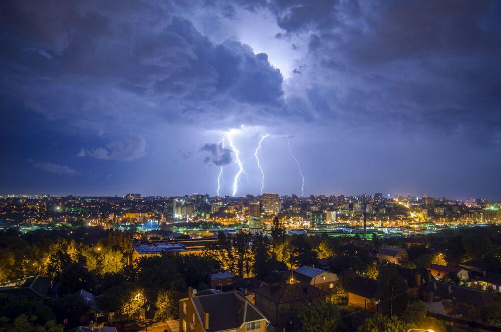 Una tempesta a Rostov sul Don.