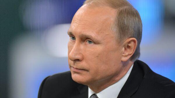 Linea diretta con il presidente Vladimir Putin - Sputnik Italia