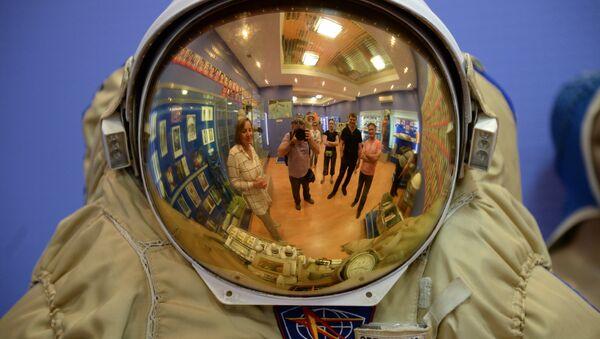 Lo scafandro di un cosmonauta - Sputnik Italia