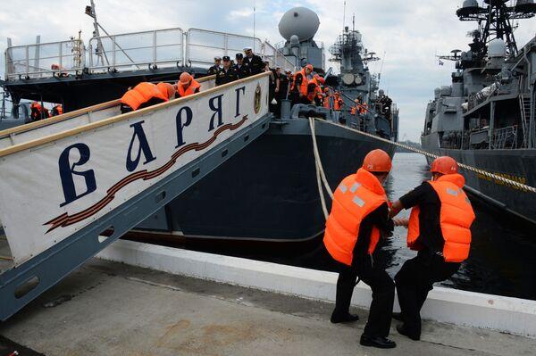 L'incorciatore missilistico Varyag a Vladivostok, Russia. - Sputnik Italia